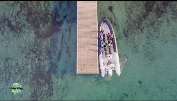 Un bateau vue d'au dessus