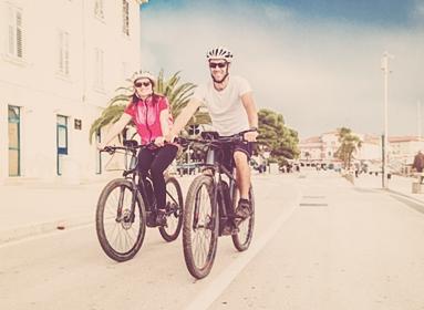 Circuit à vélo sur le bord de mer de Cannes