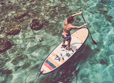 Stand up paddle sur les eaux de Cannes