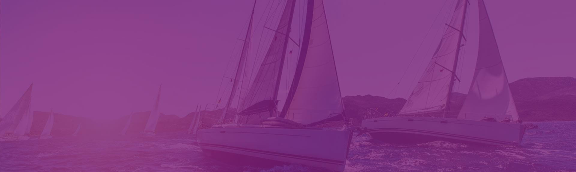 Des voiliers en régate dans le sud de la France
